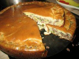Быстрый пирог с капустой и куриного фарша