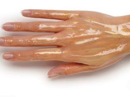 Мои руки были очень морщинистые, пока не узнала об этих средствах! Теперь моей кожей восхищаются даже молоденькие