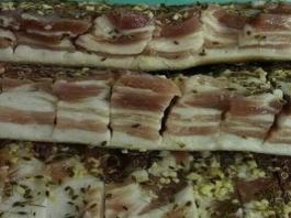Очень вкусное, мягкое, маринованное сало