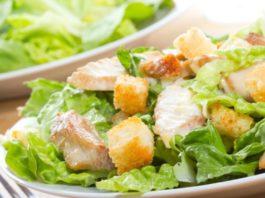 Популярные салаты в диетическом варианте: 5 рецептов на вес золота!