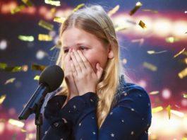 Застенчивая девочка вышла на сцену. Через несколько секунд зал аплодировал стоя!