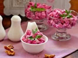 Полезно и очень вкусно: свекольный салат с курицей