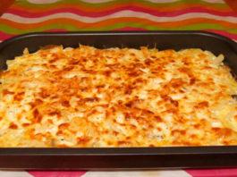 Просто смешайте картофель с сыром и чесноком, поставьте в духовку