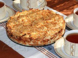 Яблочный пирог «три стакана» — Сочная начиночка и хрустящая сахарная корочка