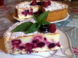 Обалденно вкусный сметанный пирог с ягодами