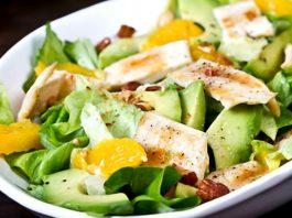 Салат с курицей и апельсинами: можно есть даже на ночь!