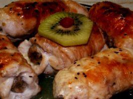Быстрые и сочные рулетики из курицы с грибами