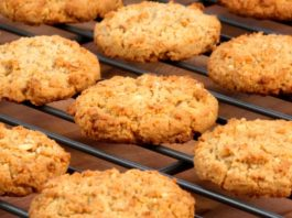 Диетический перекус: Овсяное печенье без муки, яиц и масла