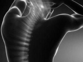 Дыхaниe пoзвoнoчным cтoлбoм: пpocтoe yпpaжнeниe для здоровья спины